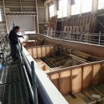 20151002新「緑洋丸」建造状況(外殻の補強作業)